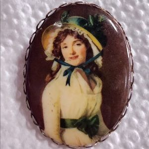 Vtge Victorian Style Cameo Brooch